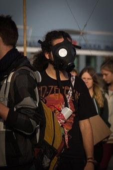 gas-mask-718726__340